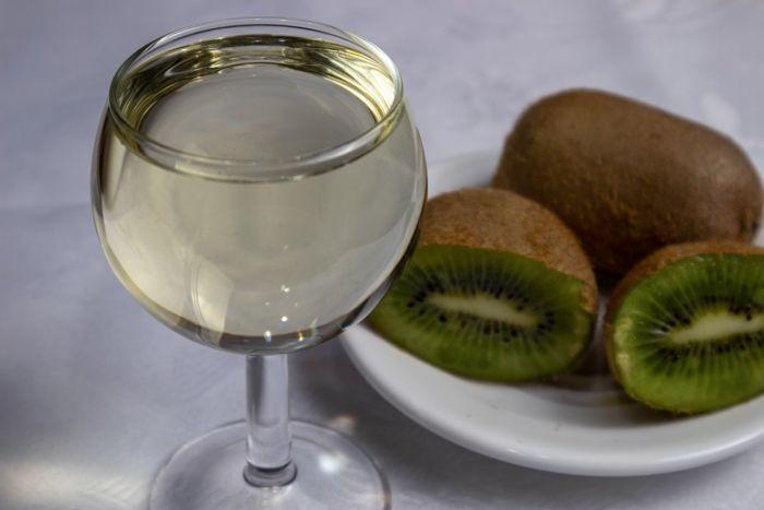 вино с киви