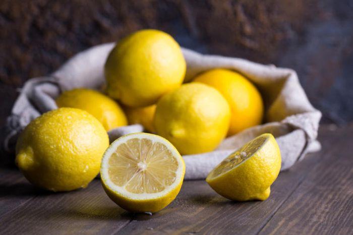 вино с лимоном
