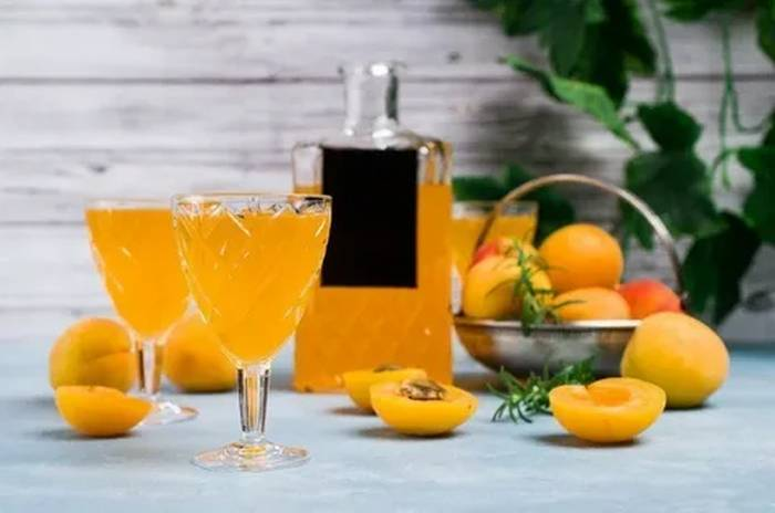 абрикосовая настойка