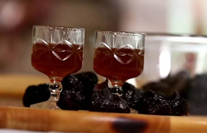 домашнее вино из чернослива