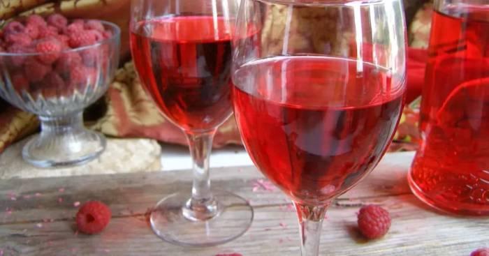 Как приготовить малиновое вино