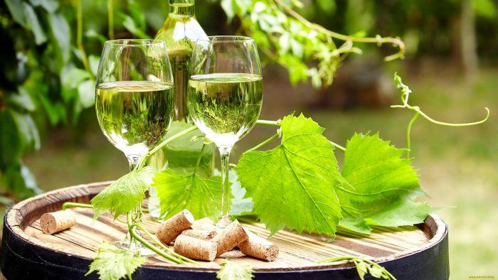 вино из виноградных листьев